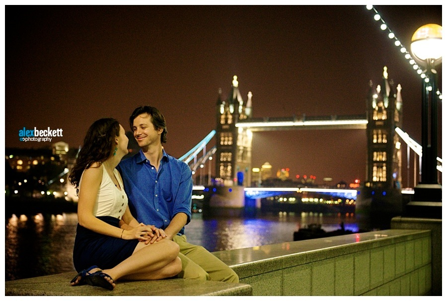 12 Tower bridge engagement wedding photo