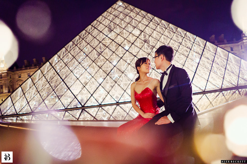 La Louvre Night pre-wedding Paris