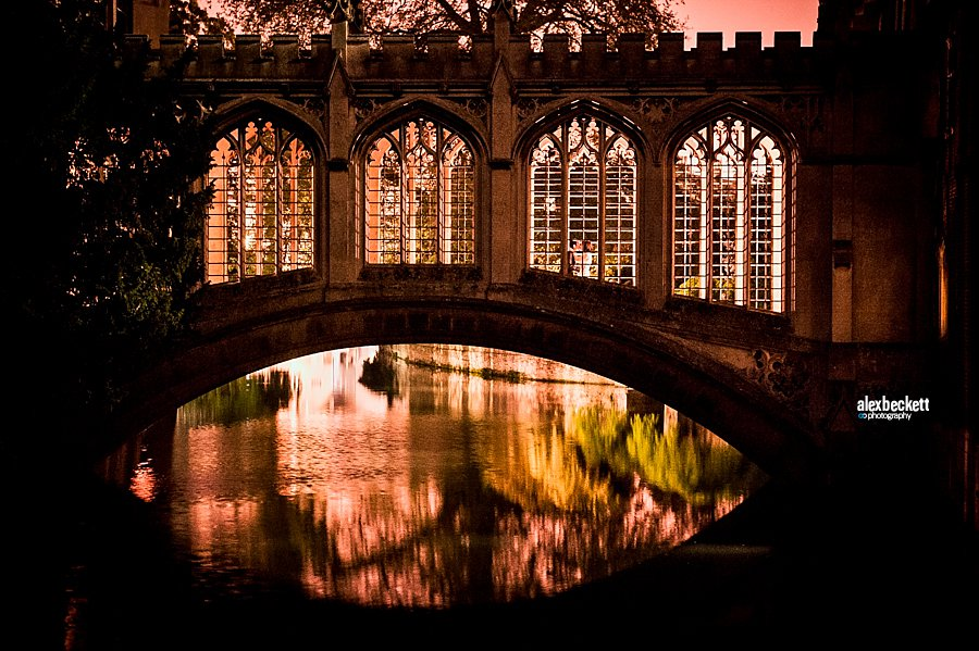 Wedding Photo at St John's College Cambridge Bridge of Sighs at Night from the River Cam